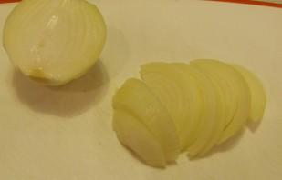 Свинина кусочками на сковороде - фото шаг 2