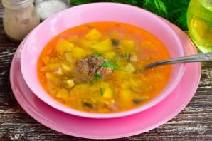Суп с тушенкой и грибами - фото шаг 6
