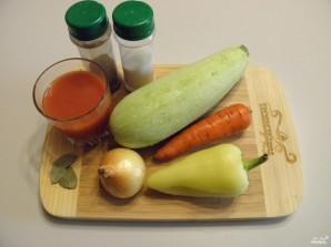 Кабачки под томатным соусом - фото шаг 1