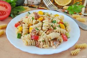 Салат с курицей и макаронами - фото шаг 9