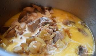 Индейка в сливочно-грибном соусе - фото шаг 7