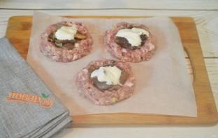 Мясные ватрушки с грибами и сыром - фото шаг 8