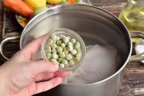 Суп с мясом и зеленым горошком - фото шаг 3