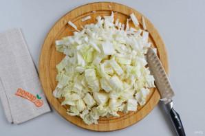 Салат из пекинской капусты с сыром - фото шаг 2