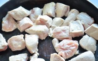 Курица с шампиньонами в сливках - фото шаг 1