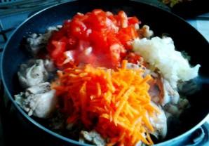 Курица в молочно-чесночном соусе на сковороде - фото шаг 4