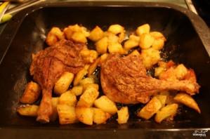 Утка с картошкой в духовке - фото шаг 2