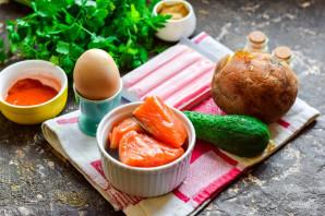 Салат с семгой и крабовыми палочками - фото шаг 1