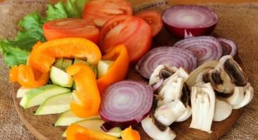 Овощи на сковороде - фото шаг 1