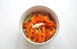 Салат из баклажанов и огурцов - фото шаг 7