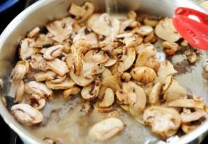 Отбивные с грибами - фото шаг 8