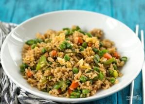 Рис с овощами на сковороде - фото шаг 8
