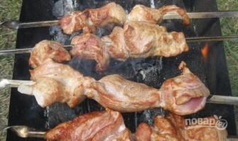 Шашлык из свинины на кефире - фото шаг 3