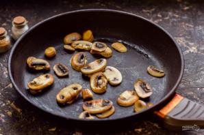 Пицца с грибами на сковороде - фото шаг 2