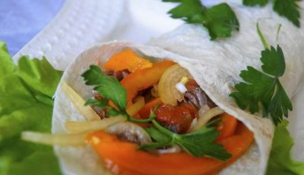 Фахитос по-мексикански с говядиной - фото шаг 10