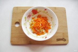 Салат с зеленым горошком и морковью - фото шаг 3
