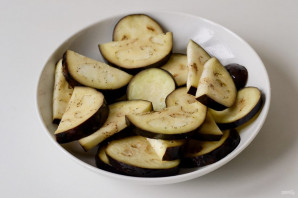 Острая закуска из баклажанов с помидорами - фото шаг 3