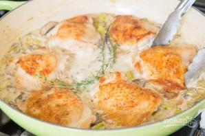 Куриные бёдра в сливочном соусе - фото шаг 5