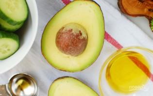 Простой салат с авокадо - фото шаг 1