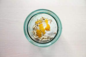 Хреновуха с лимоном - фото шаг 4