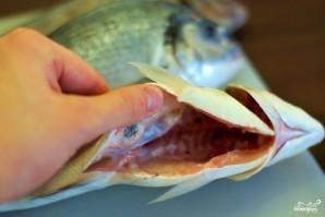 Рыба, запеченная в соли - фото шаг 2