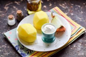 Жареная картошка со сметаной - фото шаг 1