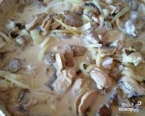 Индейка, тушенная с грибами - фото шаг 7