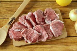 Шашлык из свинины на решетке - фото шаг 2