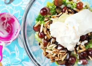 Салат с курицей и виноградом - фото шаг 7