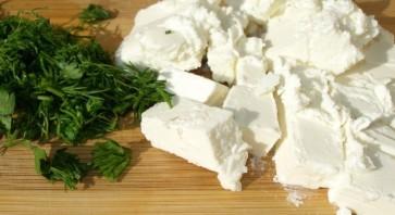 Омлет с сыром и помидорами на сковороде - фото шаг 2