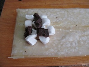 """Индийские пирожки """"Самоса"""" с зефиром и шоколадом  - фото шаг 5"""