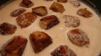 Фрикадельки из индейки в сливочном соусе - фото шаг 9