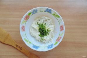 Творожный соус с чесноком и зеленью - фото шаг 4