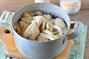 Маринованные грибы с лимонной кислотой на зиму - фото шаг 2