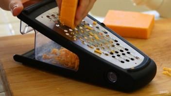 Сырные крекеры на масле - фото шаг 1