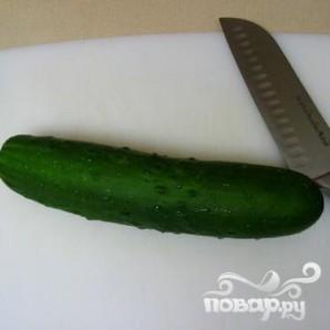 Пряный салат из огурцов - фото шаг 1