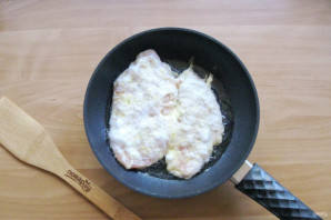 Куриное филе в белковом кляре - фото шаг 8