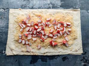 Рулет из лаваша с крабовыми палочками и помидорами - фото шаг 3