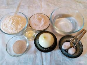 Луковый хлеб из жидкого теста - фото шаг 1