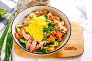 Салат с омлетом и копченой курицей - фото шаг 8