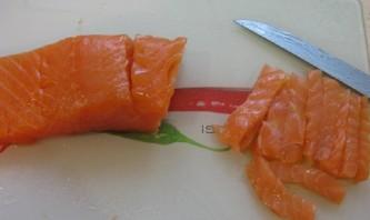 Роллы с икрой летучей рыбы - фото шаг 2