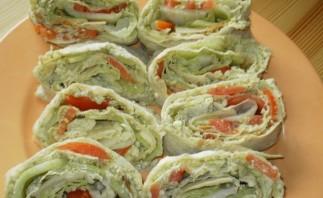 Вегетарианские рулеты из лаваша - фото шаг 4