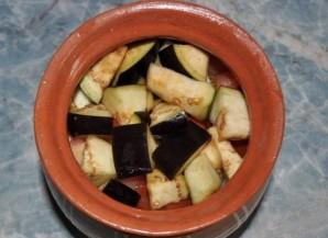 Баранина с овощами в горшочках - фото шаг 6