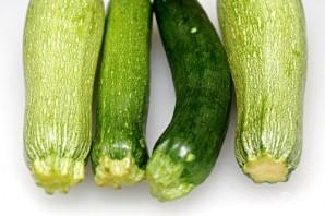 Суп из фасоли и жареных овощей - фото шаг 1
