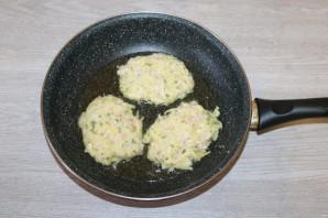 Драники с ветчиной, сыром и зеленью - фото шаг 6