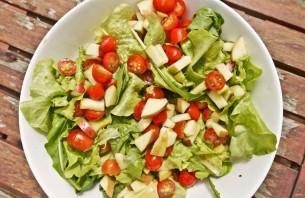 Салат с малосольной семгой - фото шаг 2