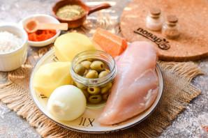 Суп с курицей и оливками