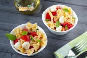 Простой салат с пастой Фарфалле - фото шаг 5