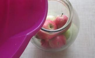 Яблоки консервированные целиком - фото шаг 5