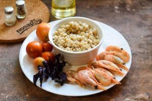 Салат с базиликом, креветками и перловкой - фото шаг 1